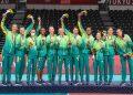 Time brasileiro no pódio com a prata dos Jogos Olímpicos de Tóquio. Foto: William Lucas/Inovafoto/CBV