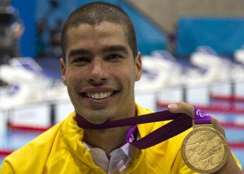 Daniel Dias levará a bandeira do Brasil na cerimônia de encerramento da Paralimpíada, neste domingo (5). Foto: Fernando Maia/CPB