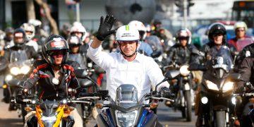 Bolsonaro em passeio de moto - um de suas principais marcas nos últimos meses; Foto: reprodução redes sociais