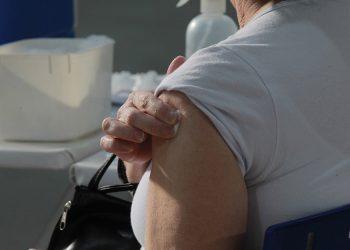 São Paulo já deu início à aplicação da dose de reforço em idosos. Foto: Leandro Ferreira/Hora Campinas