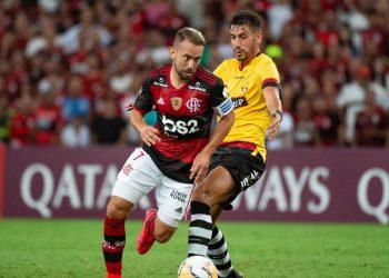 O meia Éverton Ribeiro: Flamengo terá desfalques importantes para a primeira partida da semifinal Foto: Alexandre Vidal/Flamengo/Divulgação