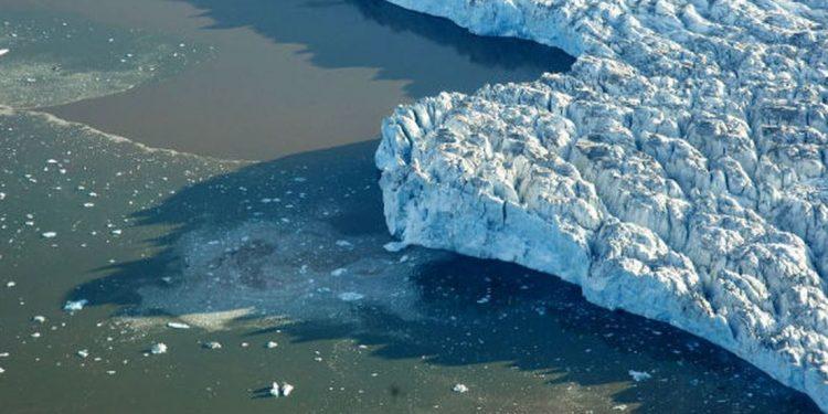 Segundo o relatório, o gelo marinho do Ártico continua muito abaixo da média e diminui em ritmo alarmante - Foto ONU/Mark Garten