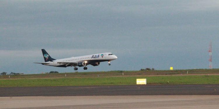 A Azul pretende operar em novos destinos no Verão. Foto: Leandro Ferreira/Hora Campinas