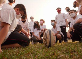 Crianças e adolescentes, alunos da unidade, poderão conhecer o esporte dentro de campo - Foto: Divulgação