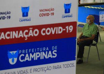 Para receber a terceira dose é   preciso ter completado o ciclo vacinal há pelo menos seis meses. Foto: Leandro Ferreira/Hora Campinas