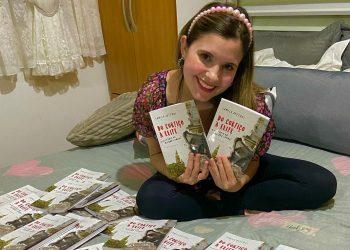 Autora do livro, a jornalista Camila Defendi, de 24 anos, formou-se pela Universidade Paulista (Unip), em 2019. Fotos: Divulgação