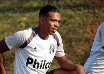 Niltinho pode desfalcar o ataque pontepretano no jogo contra o Sampaio Corrêa. Foto: Diego Almeida/Ponte Press