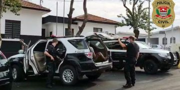 De acordo com a Polícia, os presos são suspeitos de envolvimento em três roubos a caminhoneiros. Foto: Divulgação