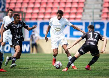 Lance da partida contra o Cruzeiro: Ponte se concentra agora na disputa do Dérbi. Fotos: Bruno Haddad/Cruzeiro