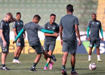 Jogadores do Guarani durante treinamento: bugre enfrenta a Ponte Preta nesta sexta-feira - Foto: Thomaz Marostegan/Guarani FC