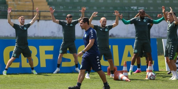 Guarani treinou no Brinco de Ouro da Princesa nesta segunda-feira (20). Fotos: Thomaz Marostegan/Guarani FC