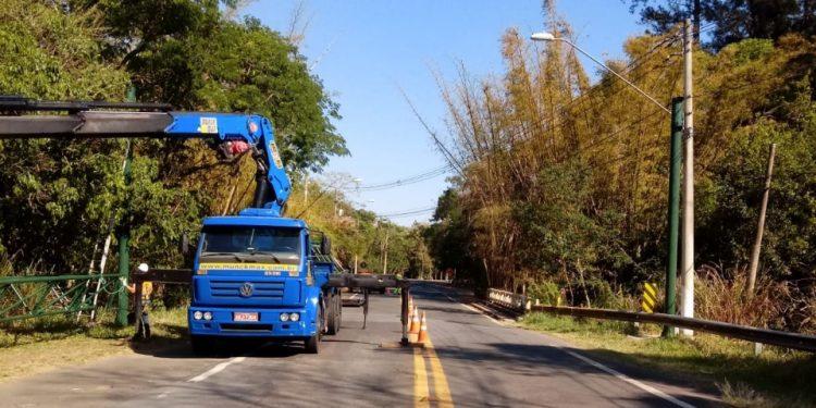 As novas estruturas foram erguidas nesta quinta-feira (23), em dois trechos da Rodovia José Bonifácio Coutinho Nogueira. Fotos: Divulgação