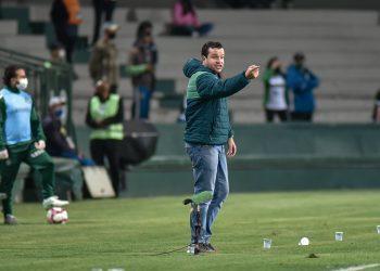 Daniel Paulista reconheceu o rendimento abaixo da equipe no primeiro tempo contra o Coritiba. Foto: Du Caneppele/ Especial para o Guarani FC