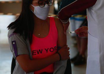 Até o momento, 54.335 adolescentes (49% da população entre 12 e 17 anos) receberam a primeira dose da vacina no município.  Foto: Leandro Ferreira / Hora Campinas