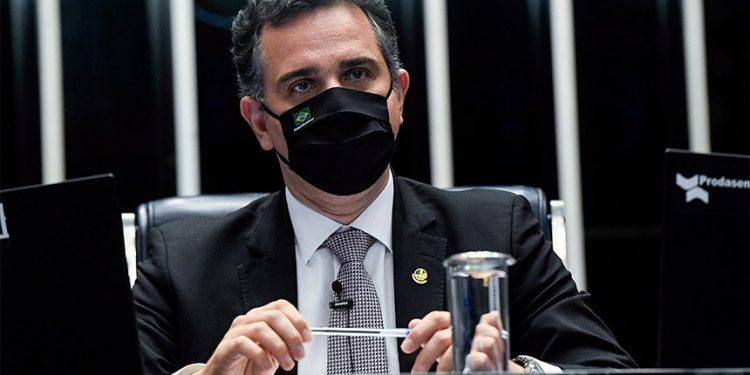 Presidente do Senado, Rodrigo Pacheco (DEM-MG), anunciou a devolução da Medida Provisória e foi elogiado pelos senadores Jefferson Rudy/Agência Senado