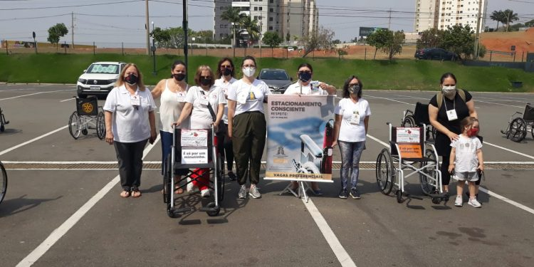 Núcleo Campinas do Grupo de Mulheres do Brasil , em ação pelo Dia Nacional de Luta das Pessoas com Deficiência. Foto: Divulgação