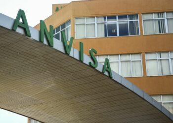 Fachada do edifício sede da Agência Nacional de Vigilância Sanitária (Anvisa): pedido de testes em mãos. Foto: Divulgação