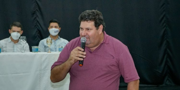 """""""Eu não posso ver minha cidade virar um lixo"""", disse o prefeito Edivaldo Brischi nas redes sociais. Foto: Divulgação"""