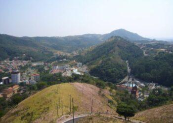 Cidade fica em região montanhosa próximo à cadeia da Serra da Mantiqueira Foto: Wikipedia
