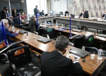 Sessão da CPI: senadores não entraram em consenso sobre denunciar o presidente por genocídio Foto: Pedro França/Agência Senado
