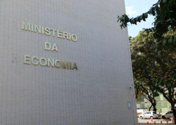Prédio do Ministério da Economia, em Brasília: secretários pedem exoneração após discordar de decisão - Foto: Fábio Rodrigues Pozzebom/Agência Brasil