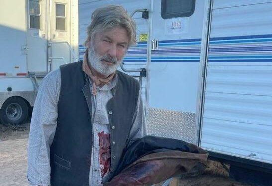 Alec Baldwin:  ator de 63 anos é coprodutor de Rust, um faroeste que se passa no Kansas dos anos 1880 - Foto: Reprodução