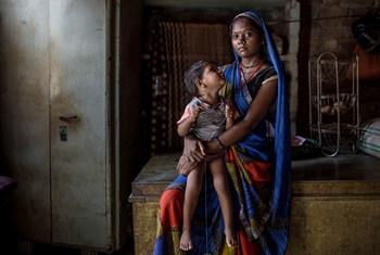 Mãe inidiana em extrema vulnerabilidade: ONU pede maior inclusão das vozes das pessoas que vivem na pobreza Foto: Pnud Índia/Dhiraj Singh