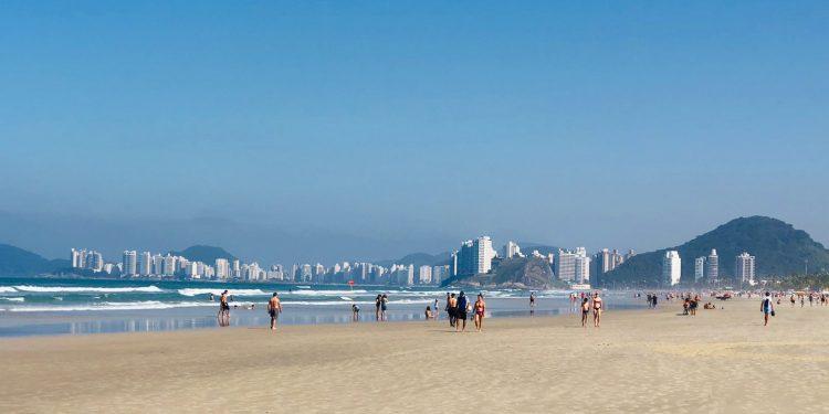 Praia da Enseada, no Guarujá: destino oferece atrações durante todo o ano - Foto: Jéssica Aquino