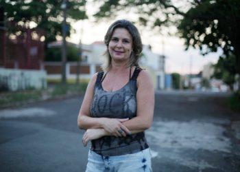 """""""Me apaixonei pelas crianças, me apaixonei pelo que eu faço"""", diz Claudia Dorta, professora da rede pública há 29 anos - Foto: Leandro Ferreira/Hora Campinas"""