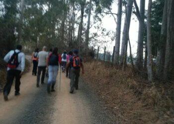 Caminhada noturna: experiência diferente, que alia contato com a natureza e prática de exercício físico - Fotos: Eduardo Gomes/Divulgação