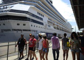 Transatlântico ancorado no Pier Mauá, na zona portuária do Rio. Foto: Fernando Frazão/Agência Brasil