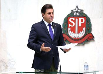 O deputado Frederico d'Ávila, que discorreu impropérios na tribuba: pedido de punição ao parlamentar Foto: Alesp