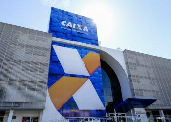 Prédio da Caixa Econômica Federal em Brasília: 10,5 milhões ainda não sacaram cotas do PIS - Foto: Marcelo Camargo