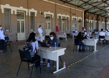 Posto de vacinação instalado  no Centro Cultural Unicamp no bairro Guanabara. Foto: Leandro Ferreira / Hora Campinas